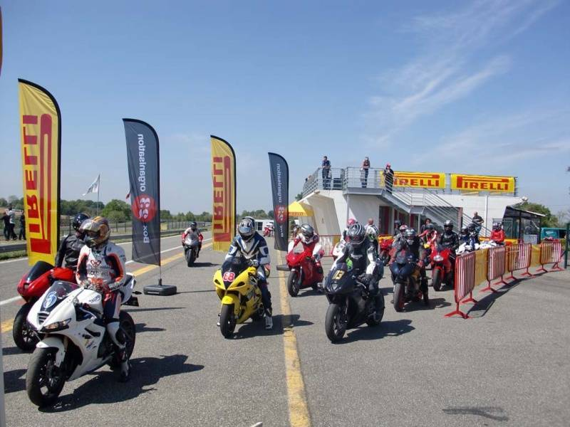 Journée Circuit Moto : Pirelli Days 2013